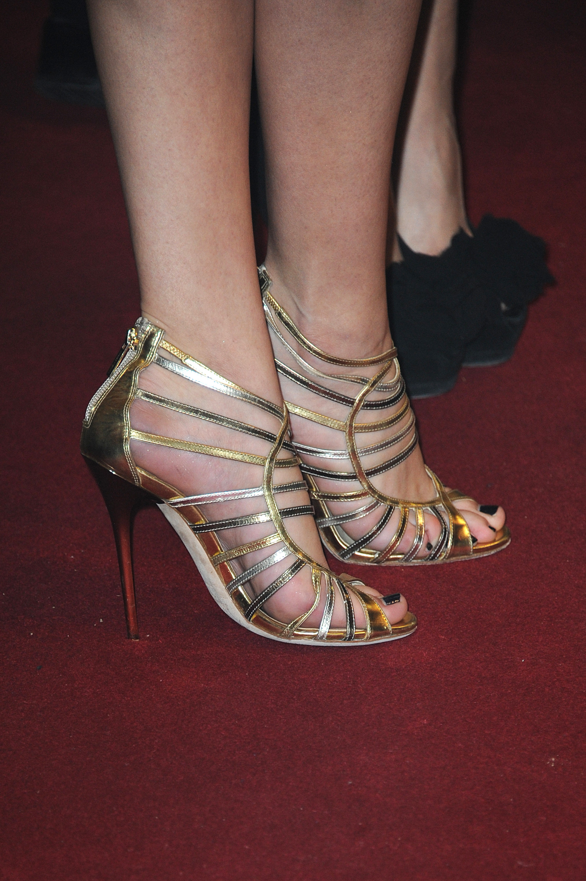 selena gomez s feet selena gomez s feet premiere of the movie